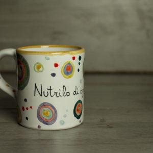 mug-con-scritta-e-sfere-colorate