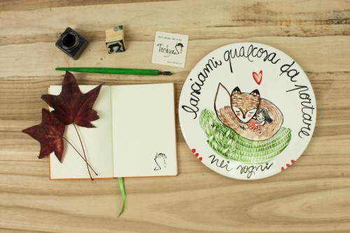 Piatto personalizzato in ceramica con frase e disegno dipinti a mano