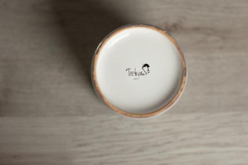 Bicchiere in ceramica dipinto a mano