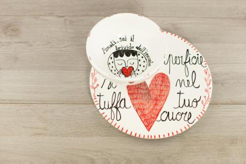 Piatto personalizzato con scritta e cuore rosso