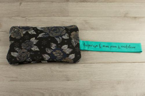 Pochette personalizzata piccola fiori e scritta dipinta