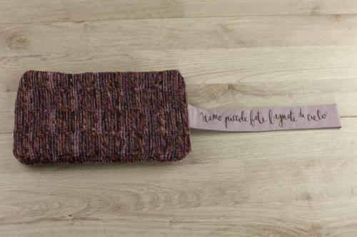 Pochette personalizzata lana viola con scritta