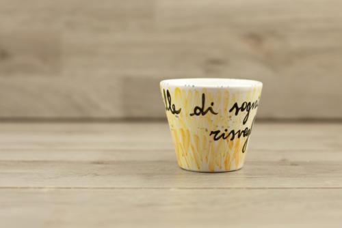 Tazza cappuccino con scritta dipinta a mano